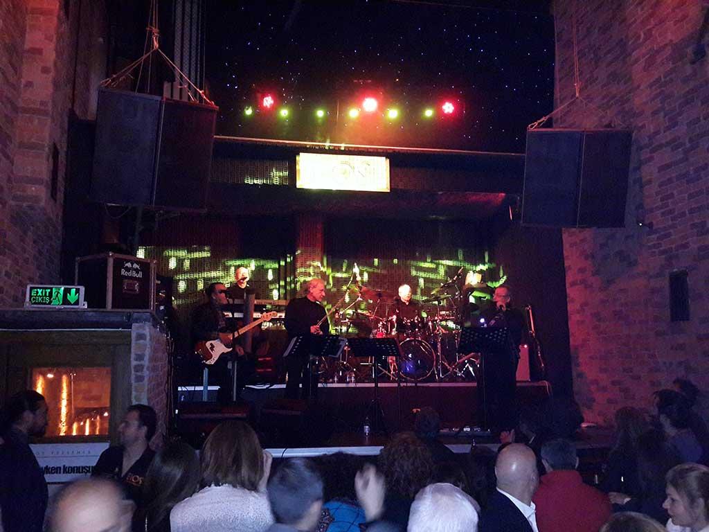 21.peron Bios Bar konseri